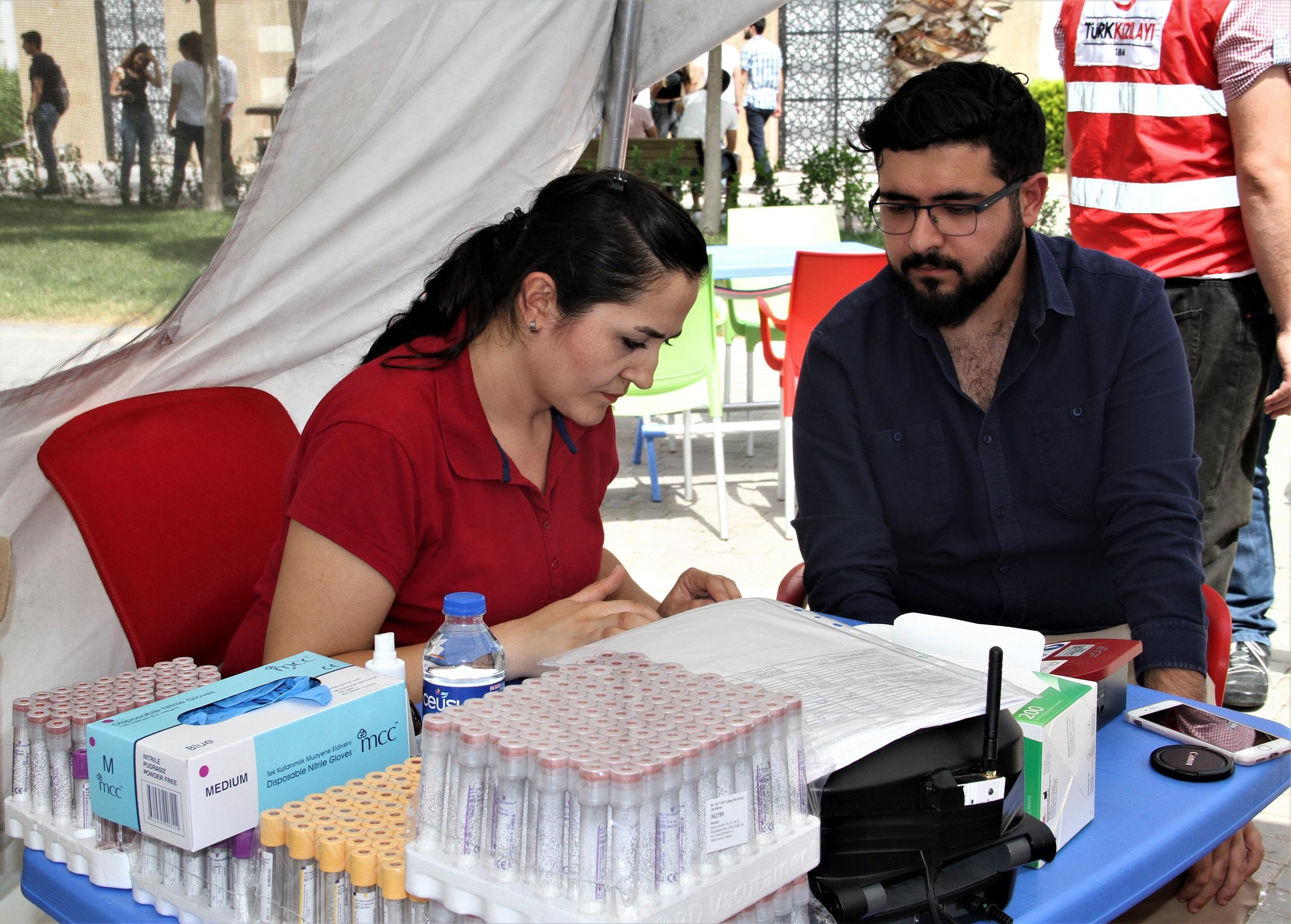 Antalya Bilim Üniversitesi'nde kan bağışı yapıldı