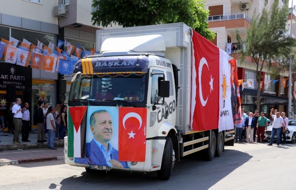 AK Parti'den Kudüs'e yardım tırı