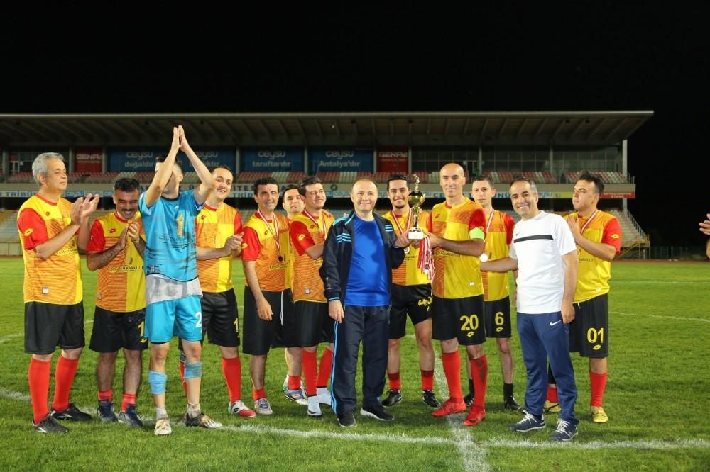 Akdeniz Üniversitesi Futbol Turnuvası sona erdi