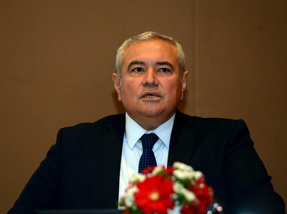 AKS'de Başkan yeniden Davut Çetin