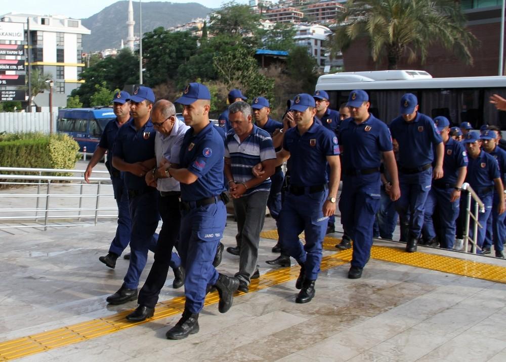 Alanya'da gayrimenkul dolandırıcılığına 12 tutuklama
