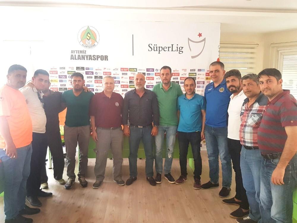 Alanyaspor Başkanı Çavuşoğlu taraftarla buluştu