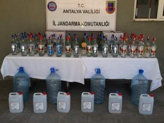 Antalya'da 170 litre kaçak içki yakalandı