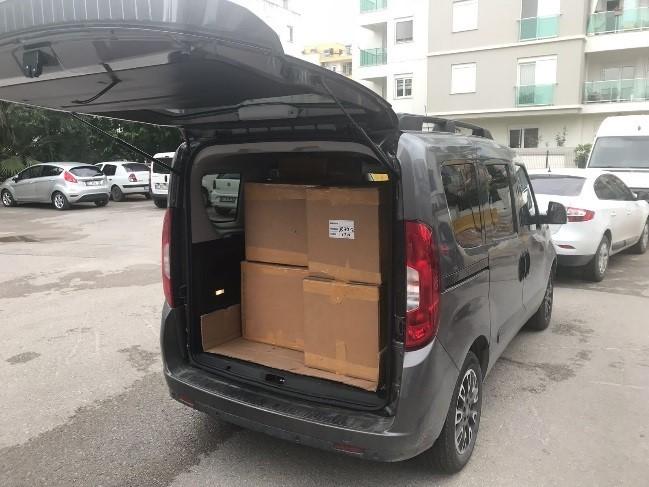 Antalya'da 881 şişe kaçak parfüm ele geçirildi
