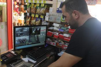 Antalya'da sigara hırsızlığına gizli kamerayla suçüstü