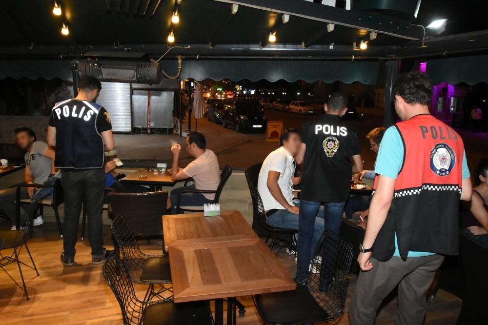 Antalya'da yabancı uyruklu aranan şahıslara uygulama