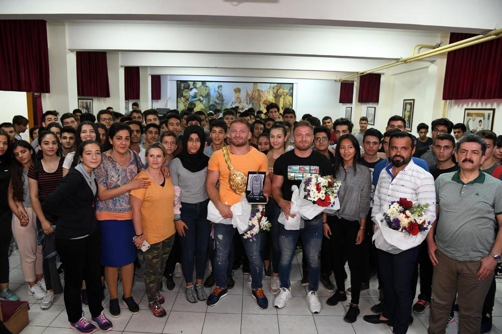 Balaban kardeşler başarılarının sırrını öğrencilerle paylaştı