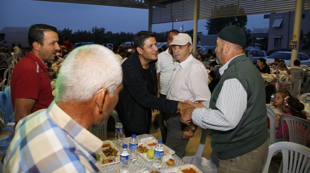 Döşemealtı Belediyesi'nden 60 bin kişilik iftar sofrası