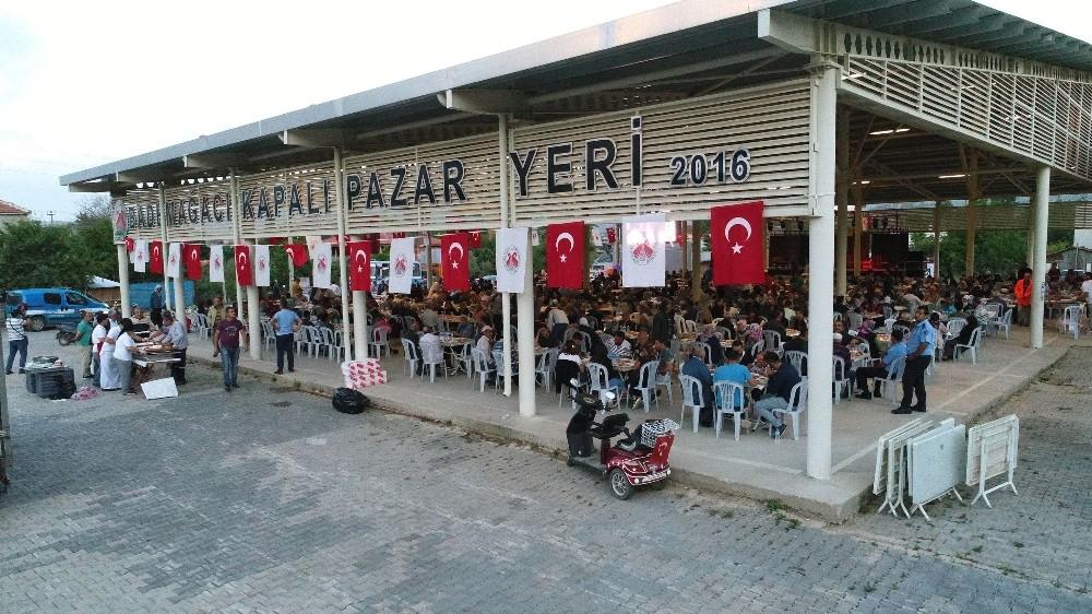 Döşemealtı iftar sofraları en uzak mahallelere kuruldu