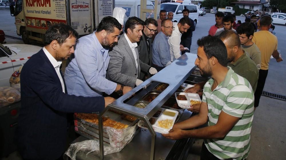 Döşemealtı'nda ilk iftar gönül sofrasında açıldı