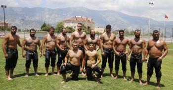 Döşemealtı'nın Pehlivanları 2018 yılı güreşlerine hızlı başladı