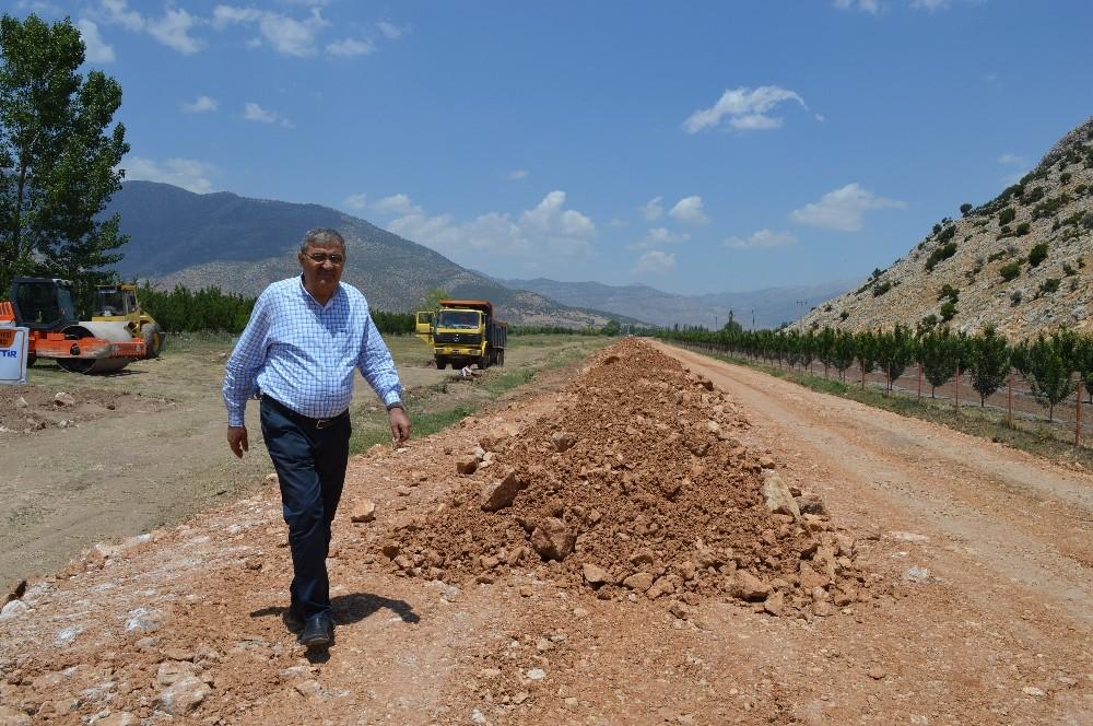 Elmalı Geçit-İmircik yolu sıcak asfalta hazırlanıyor