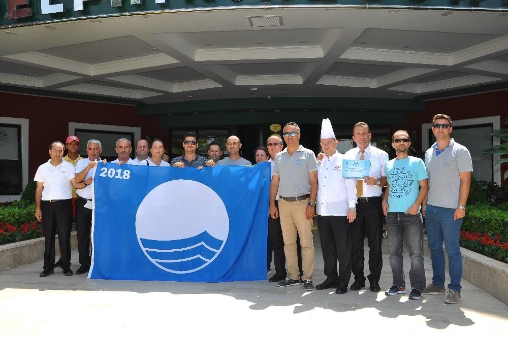 Halk Plajları ve Tesislerin Mavi Bayrakları dağıtıldı