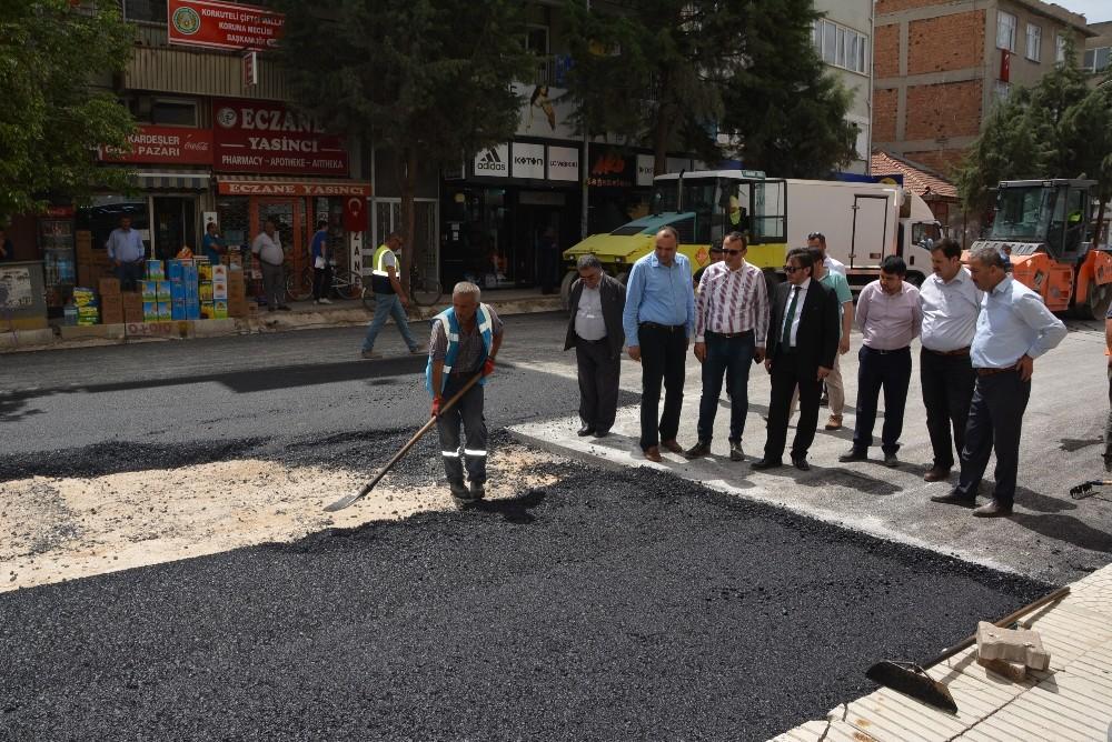 İrban, asfaltlama çalışmalarını inceledi