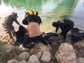 Irmağa atlayan kadını kurtarmak isterken kaybolan gencin cesedi bulundu