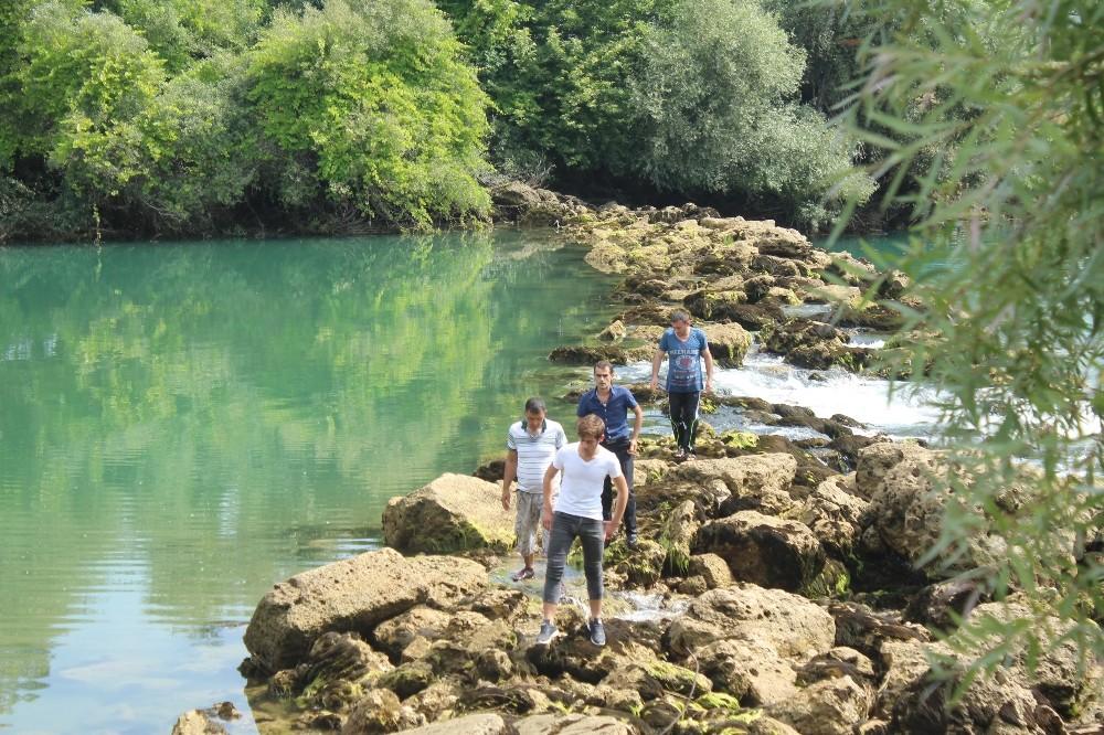 Irmakta kaybolan çocuk dalgıçlar tarafından aranıyor