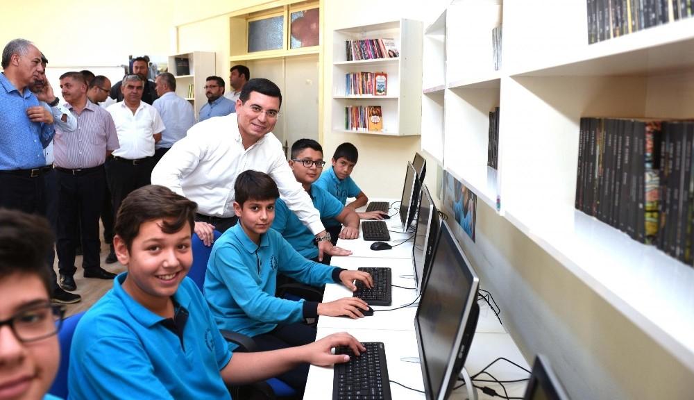 Kepez'de 50 okula bilişim sınıfı