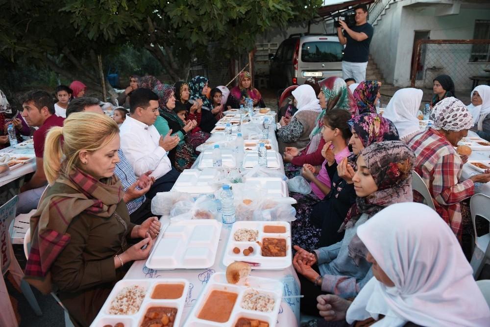 Kepez'de ilk iftar