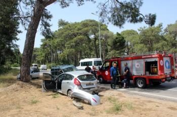 Kontrolü kaybeden sürücü karşı şeritten gelen araca çarptı: 2 yaralı