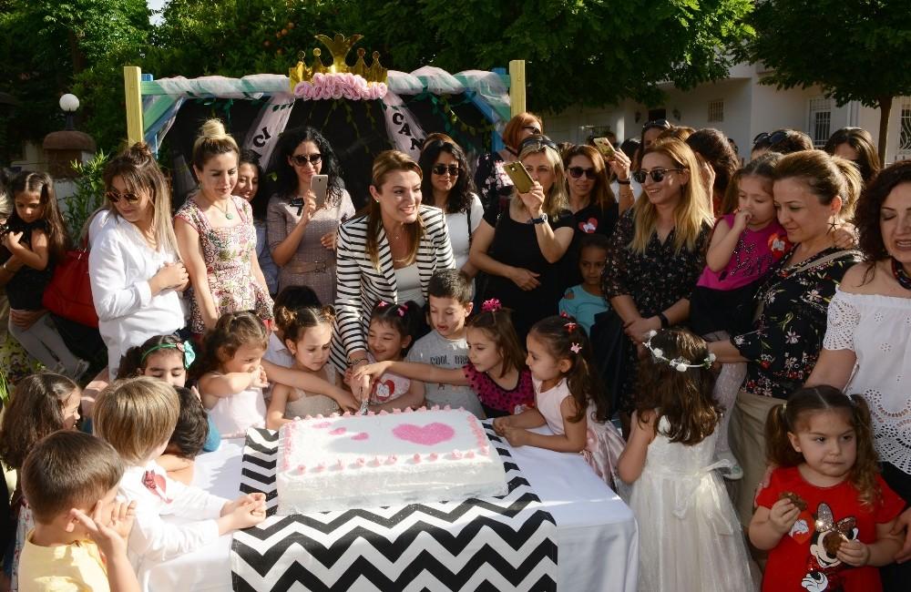 Konyaaltı Belediyesi Kreşleri'nde annelere sürpriz