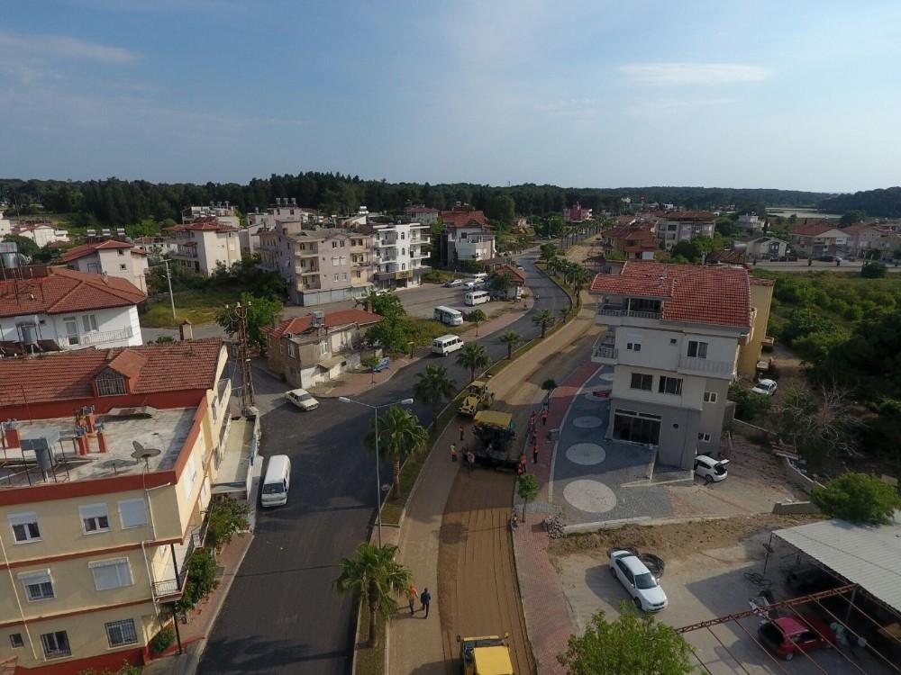 Manavgat Sorgun Bulvarı'nın asfaltı yenileniyor
