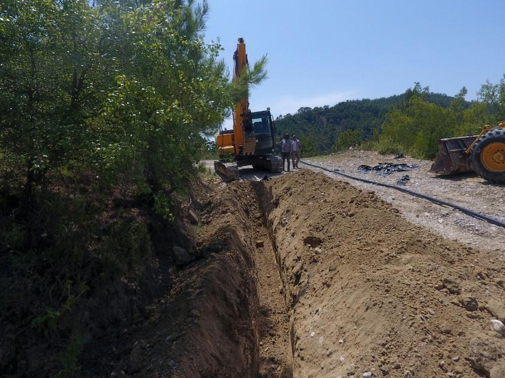 Manavgat'ta içme suyu hatları yenileniyor