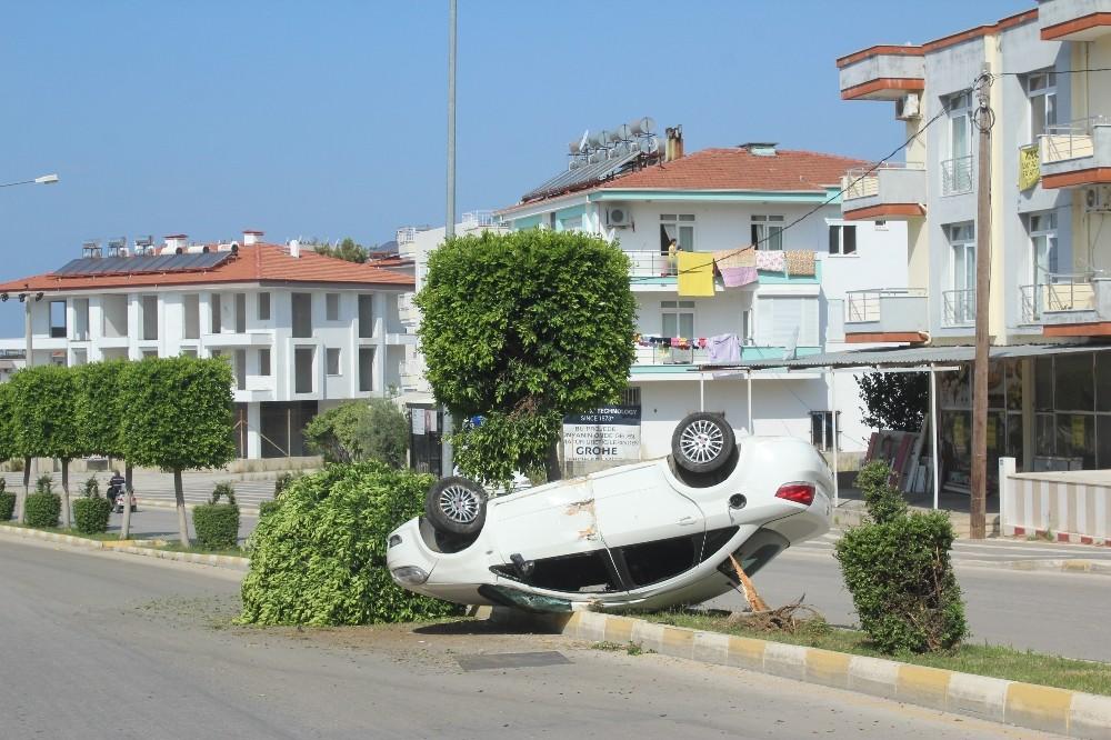 Manavgat'ta kaza: 3 yaralı
