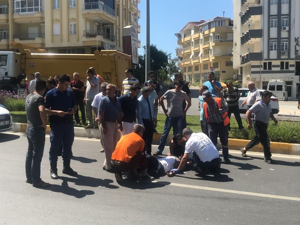 Manavgat'ta otomobil yayaya çarptı: 1 yaralı