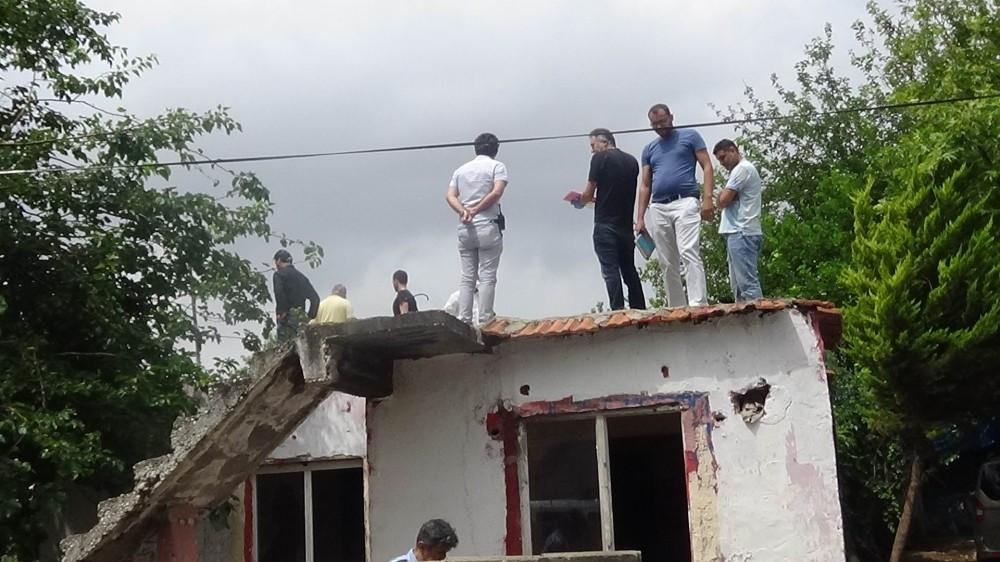 Metruk binanın çatısında 1 haftalık erkek cesedi