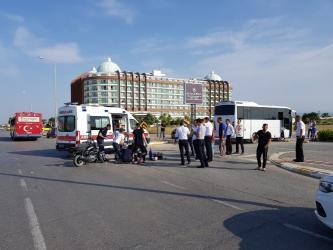 Midibüs ile motosiklet çarpıştı: 1 ağır yaralı