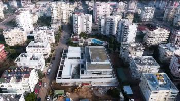 Muratpaşa Gösteri Merkezi inşaatı devam ediyor