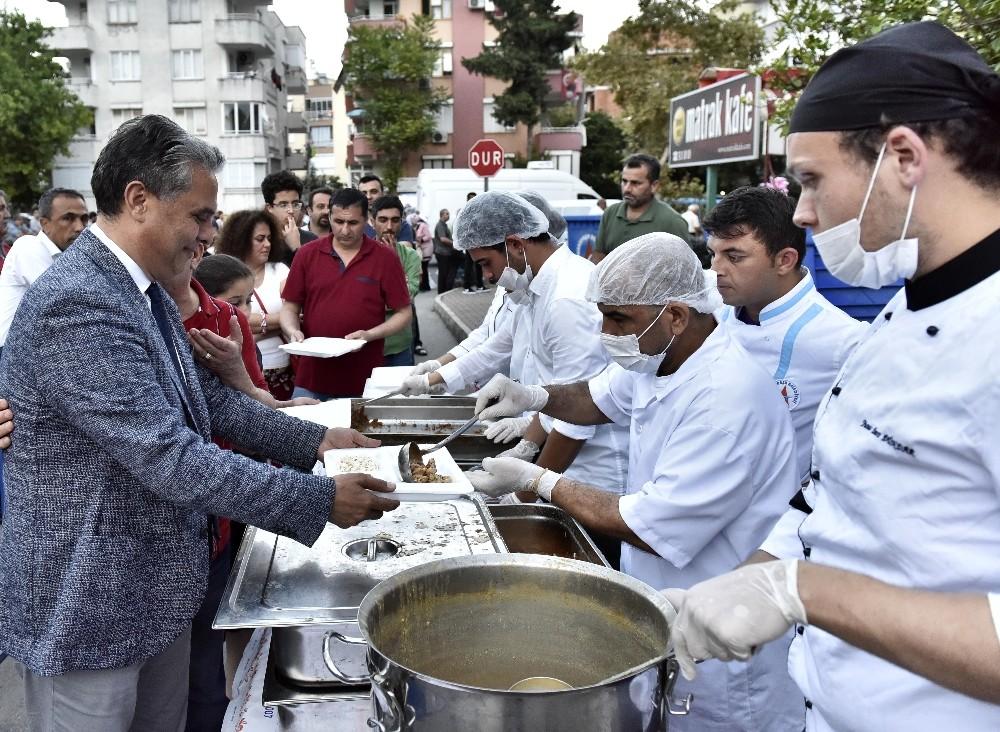 Muratpaşa'da 4 mahalle iftarda buluştu