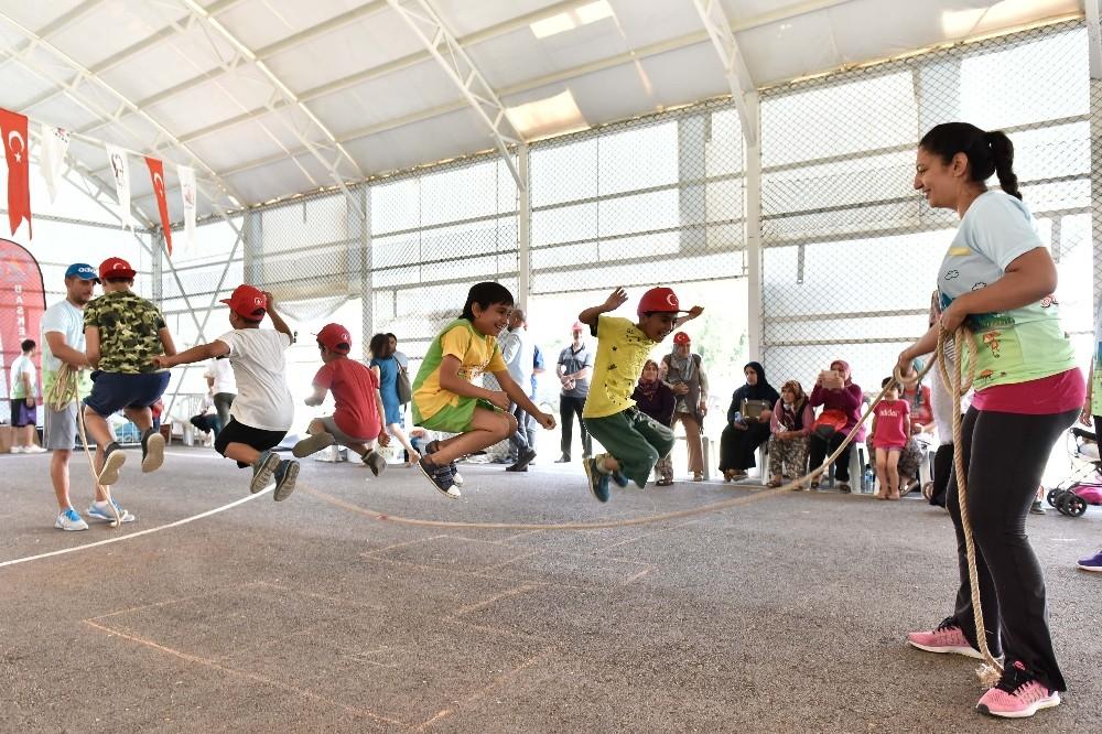 Muratpaşa'da 'Sokakta Spor Var Şenliği'