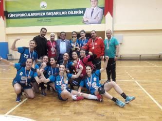 Muratpaşa'nın gençleri namağlup şampiyon
