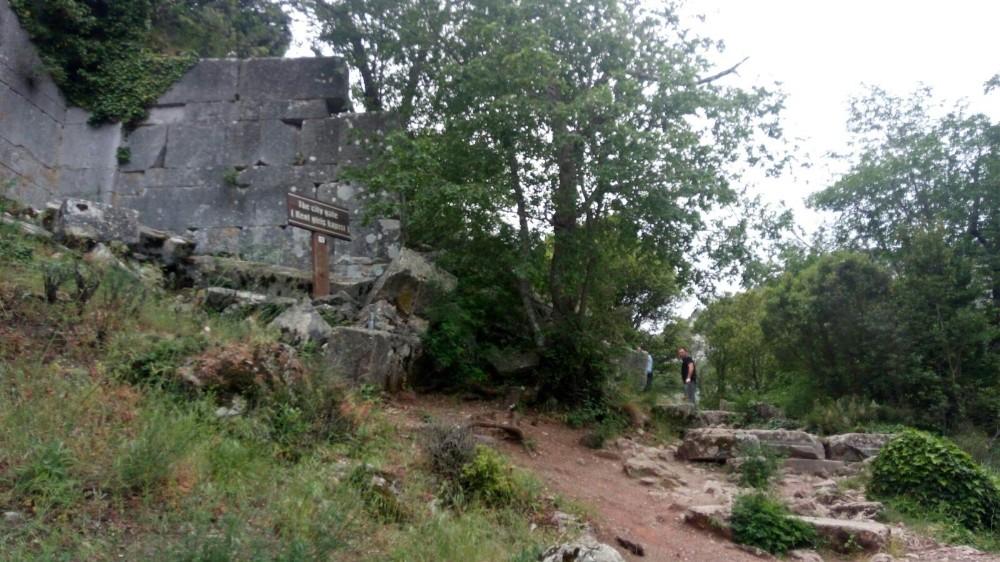 Ölüm antik kent yolunda yakaladı