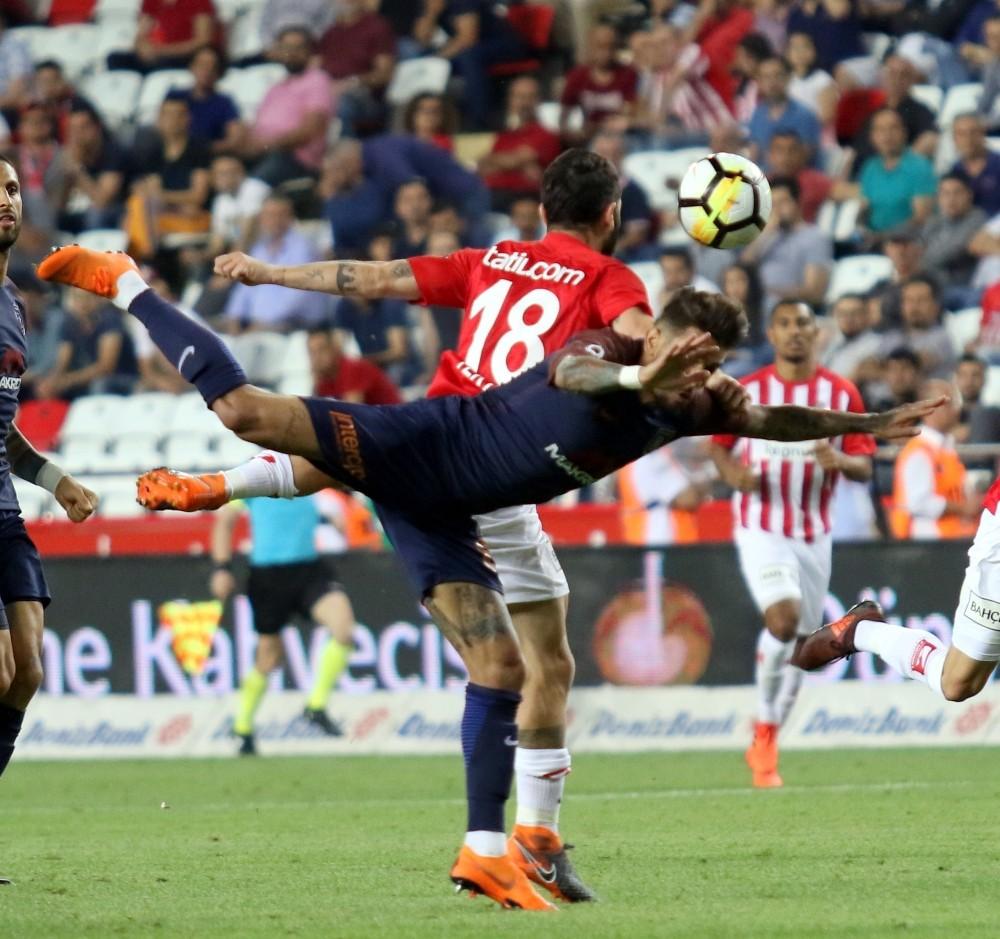 Spor Toto Süper Lig: Antalyaspor: 0 – Başakşehir: 2 (Maç sonucu)