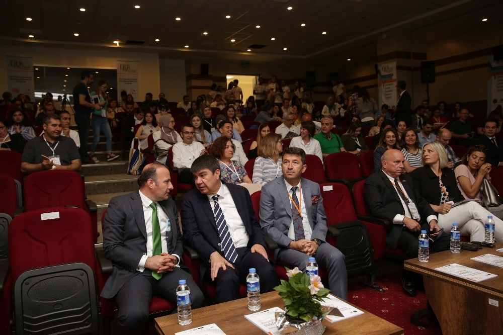 Türel: 'Antalya eğitimin başkenti olmaya aday'