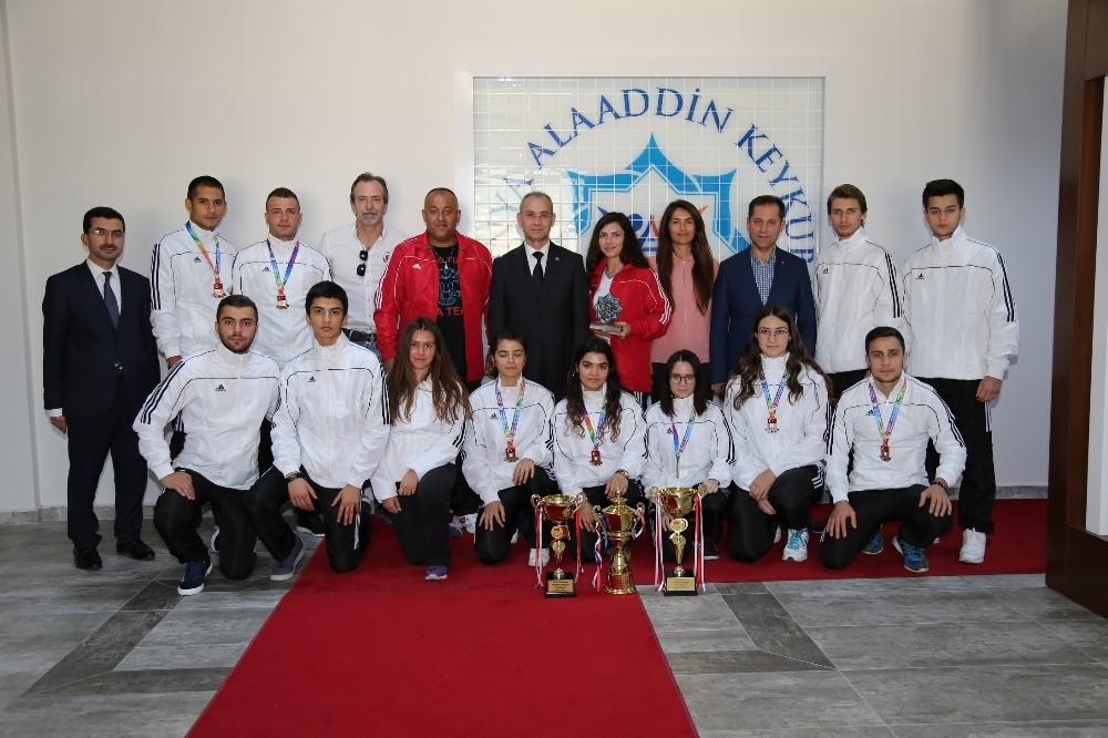 Türkiye Şampiyonasında ALKÜ'ye 3 kupa