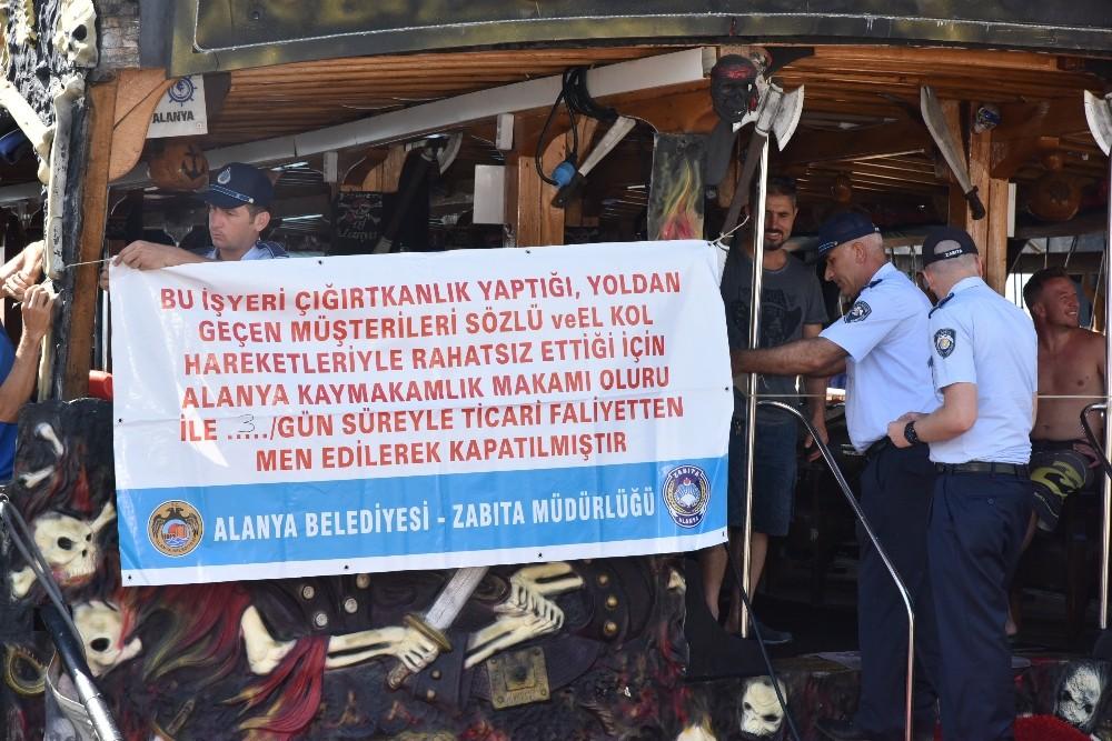 Alanya Belediyesi hanutçuları İngilizce-Türkçe afişle ifşa etti