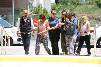 Alanya'da gözaltına alınan 3 kadın hırsızlık şüphelisinden 2'si tutuklandı