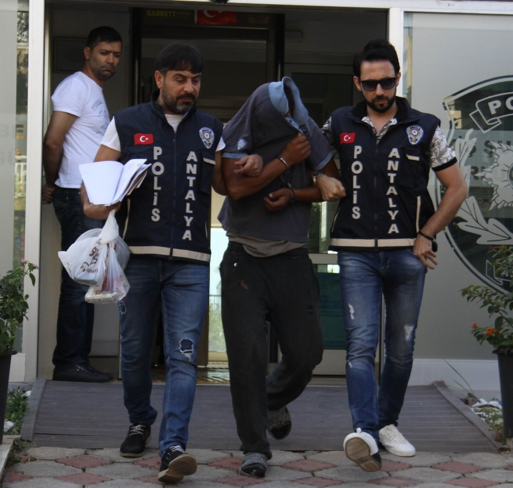 Antalya'da Atatürk büstü hırsızı yakalandı