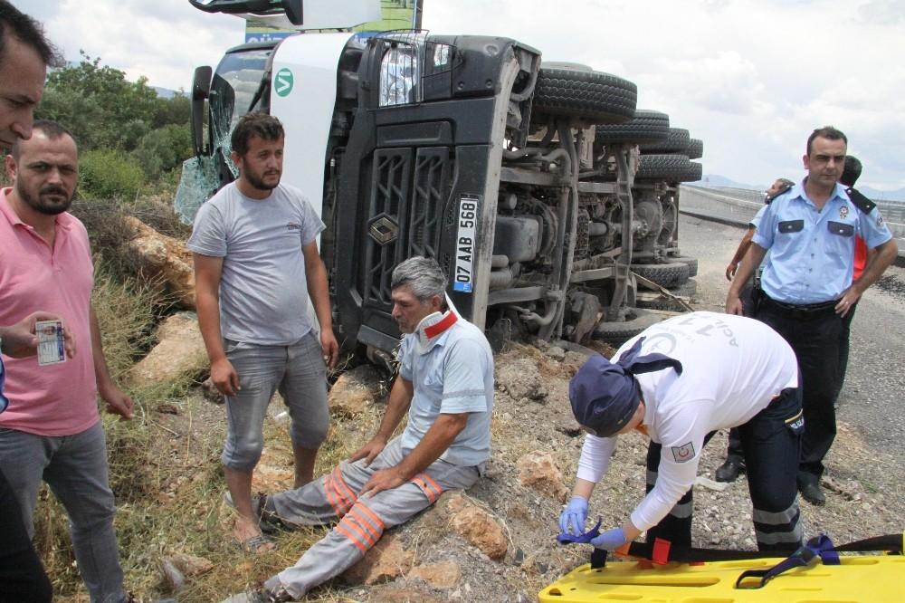 Antalya'da beton mikseri kazası: 1 yaralı