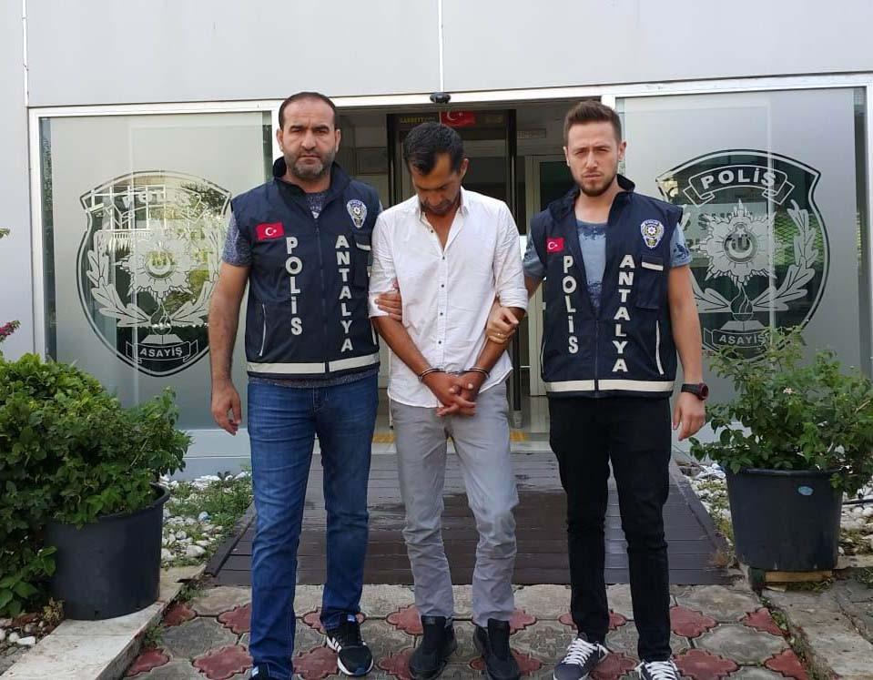 Antalya'da cami hırsızı yakalandı