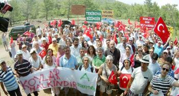 Antalya'da çevrecilerden Kleopatra Koyu eylemi