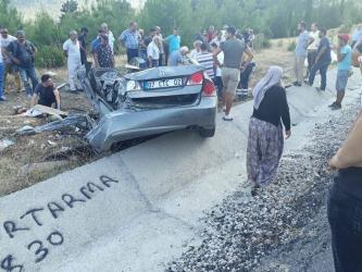 Antalya'da feci kaza: 2 ölü, 2 yaralı (1)