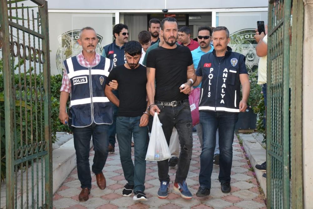 Antalya'da hırsızlık şüphelilerine şafak operasyonu