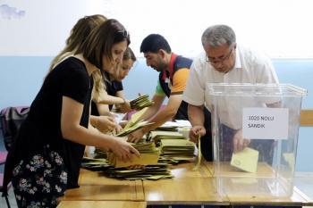 Antalya'da oylar sayılıyor