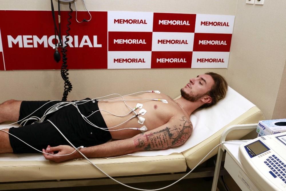 Antalyasporlu futbolcular sağlık kontrolünden geçti