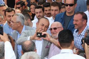 """Bakan Çavuşoğlu: """"Bu seçim Türkiye tarihinin en kritik en önemli seçimidir"""""""