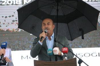 Bakan Çavuşoğlu memleketi Alanya'da mezuniyet törenine katıldı